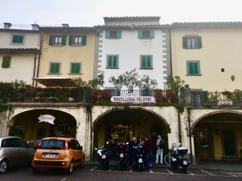 The charming little square we stopped at on the way back to Florence, Italy